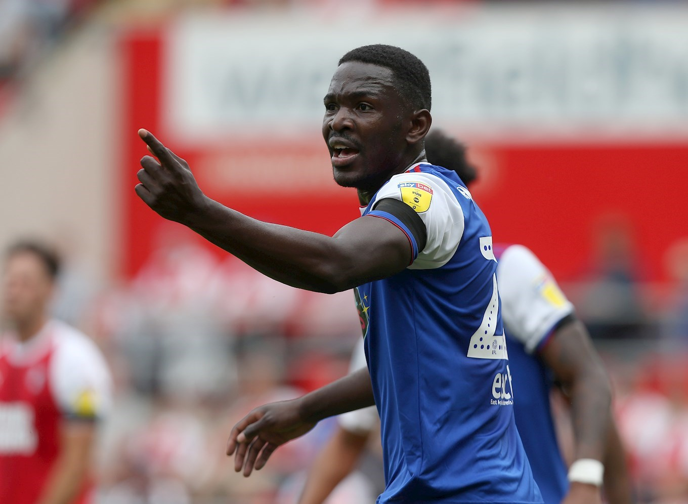 Nsiala signs on loan from Ipswich Town